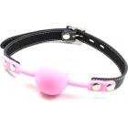 Силиконовый розовый кляп-шарик на ремне с замочком