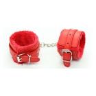 Красные БДСМ наручники с мехом и заклепками